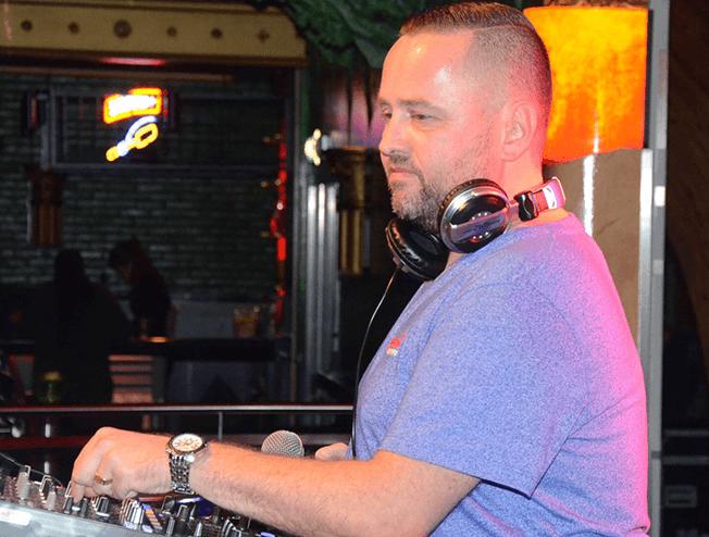 DJ Mark Nauta boeken doe je bij DM Music