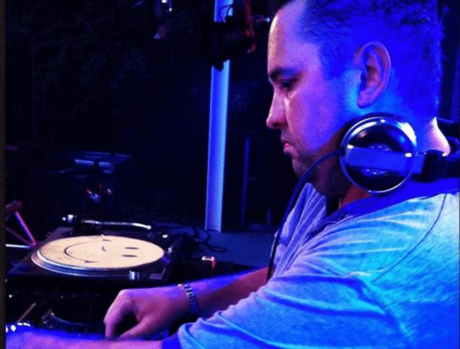 DJ Mark Nauta voor je bedrijfsfeest of nineties en zeros feest